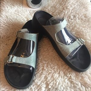 Birkenstock's Tatami Blue Printed 2 Strap Sandals